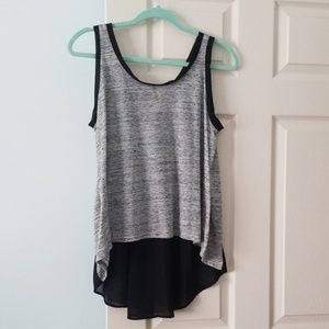 Ladies top small but fits large